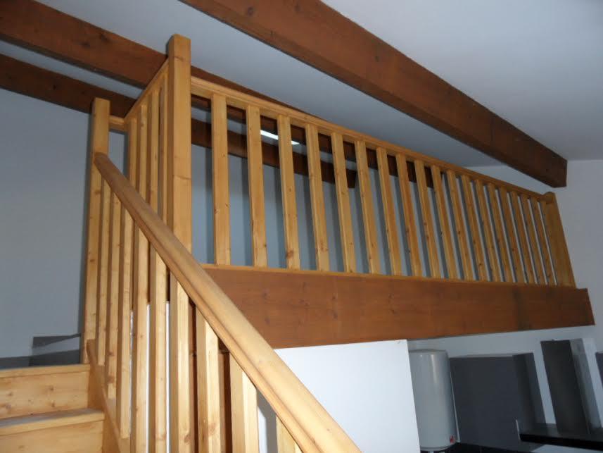 escalier et garde corps de mezzanine en bois
