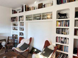 Création d'une bibliothèque en plâtre